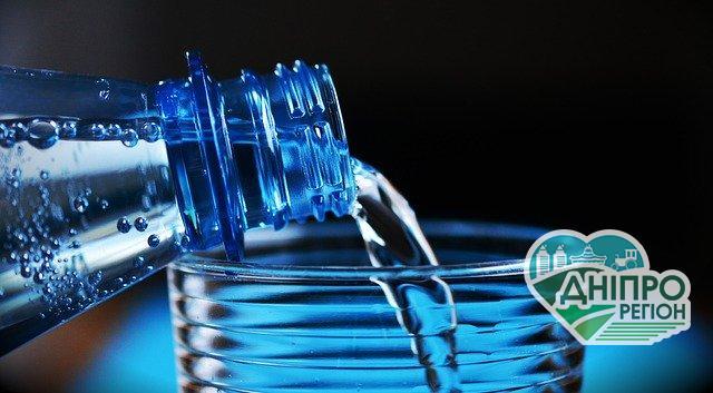 Пляшка з кукурудзи розкладається всього за 80 днів і не шкодить довкіллю