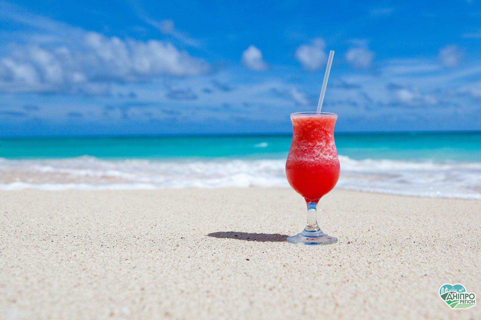 Відпочинок 2020: коронавірус, сонце, море, пляж