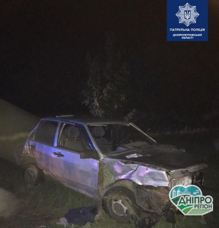Страшна ДТП під Дніпром: Автівка із пасажирами перекинулася чотири рази