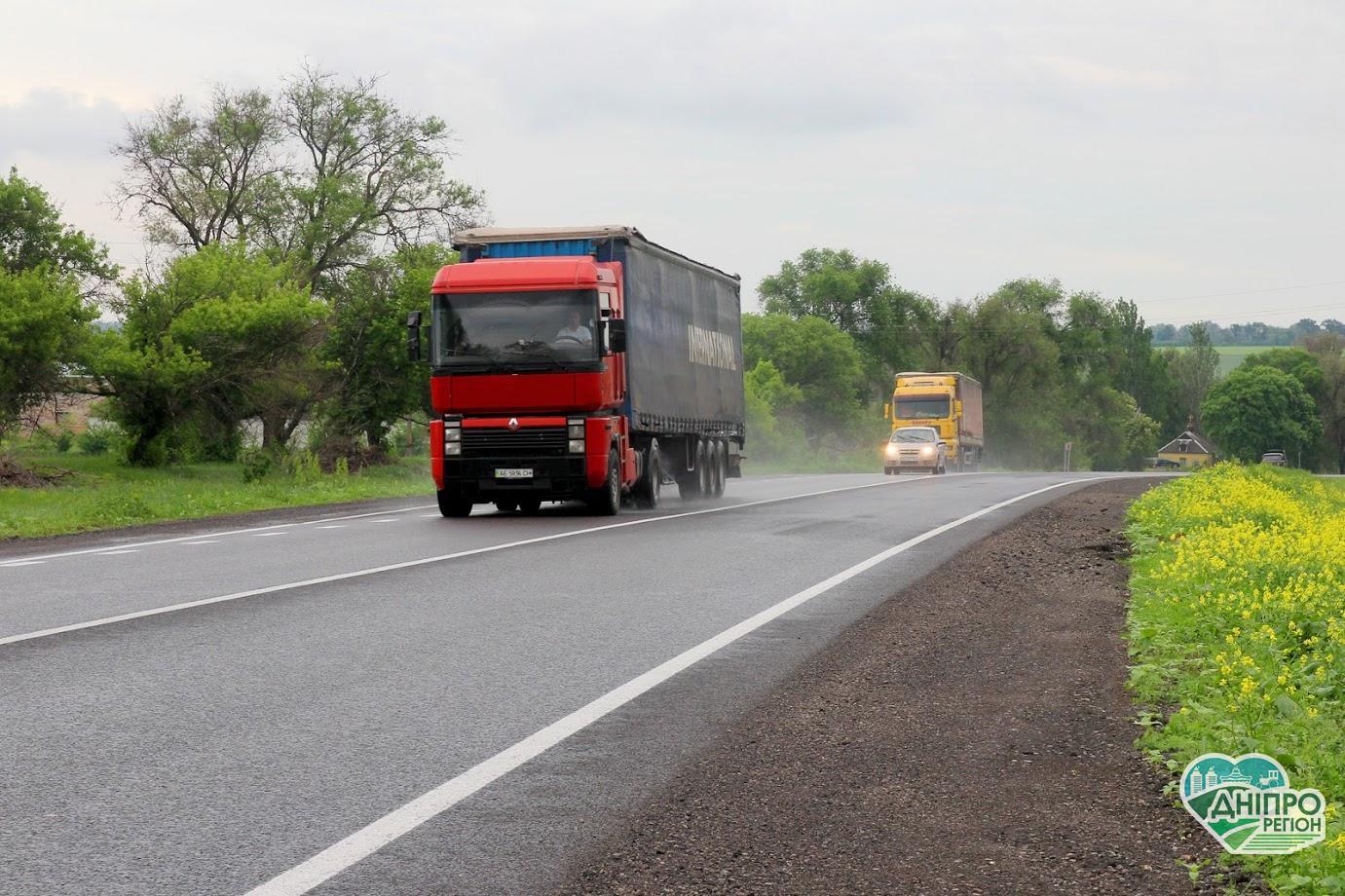 На Дніпропетровщині обмежили рух машин, важчих за 24 тонни