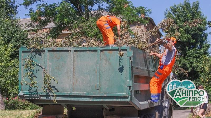 У Дніпрі негабаритне сміття вивозять у міру накопичення