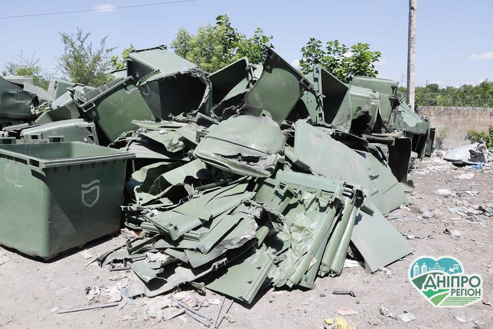 У Дніпрі через вандалізм зіпсована більшість сміттєбаків