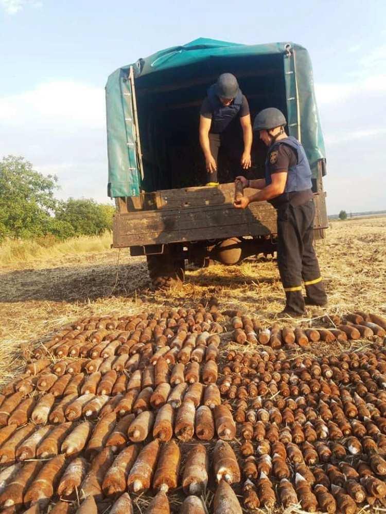 В Днепре нашли почти полтысячи единиц старых боеприпасов