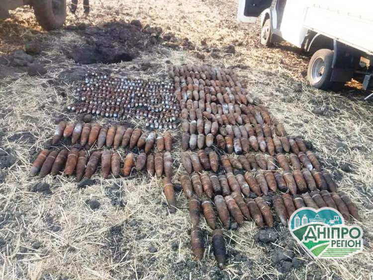 В Дніпрі знайшли майже півтисячі одиниць старих боєприпасів