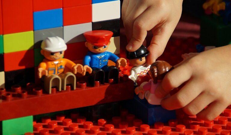 На Дніпропетровщини першокласники навчатимуться за допомогою LEGO