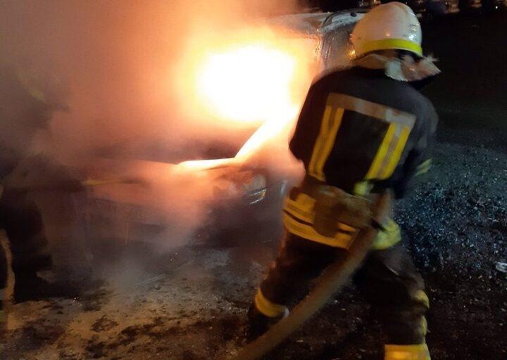 На Дніпропетровщині у Кривому Розі горіла автівка
