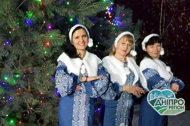 Народне вокальне тріо «Лілея» з Дніпропетровщини збирає міжнародні нагороди
