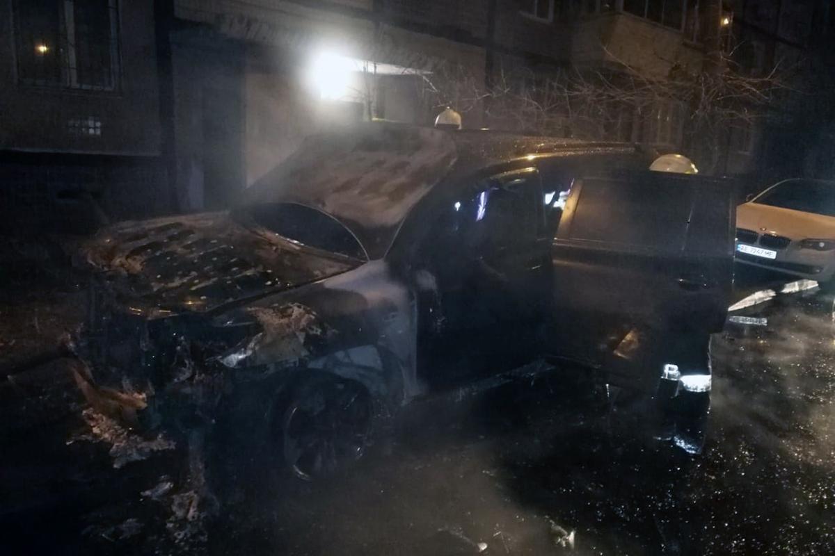 22-го грудня, на вулиці Мандриківська Соборного району міста Дніпро сталися дві пожежі у легкових автомобілях