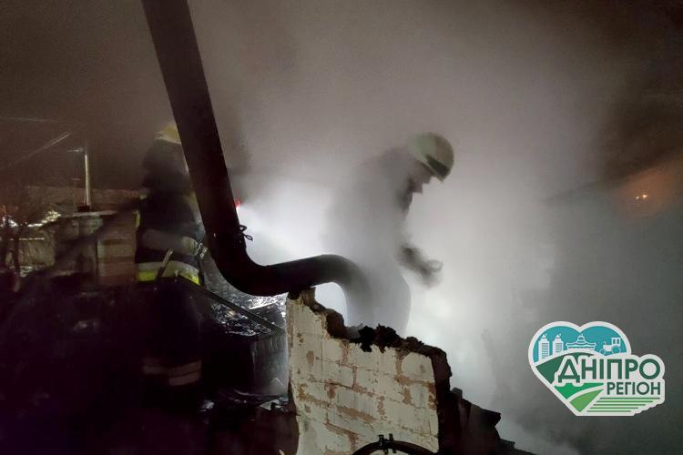 На вулиці Березанівській у Дніпрі горіла одноповерхова лазня