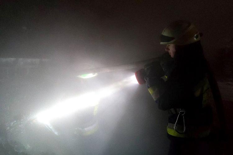Новини Дніпра. На вулиці Березанівській у Дніпрі горіла одноповерхова лазня