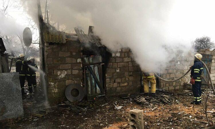 Новини Дніпропетровщини. У Миколаївці-1 на Дніпропетровщині згоріла літня кухня
