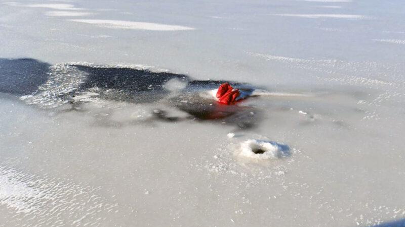 У Дніпрі біля Таромського рибгоспу чоловік потонув та вмерзнув в лід