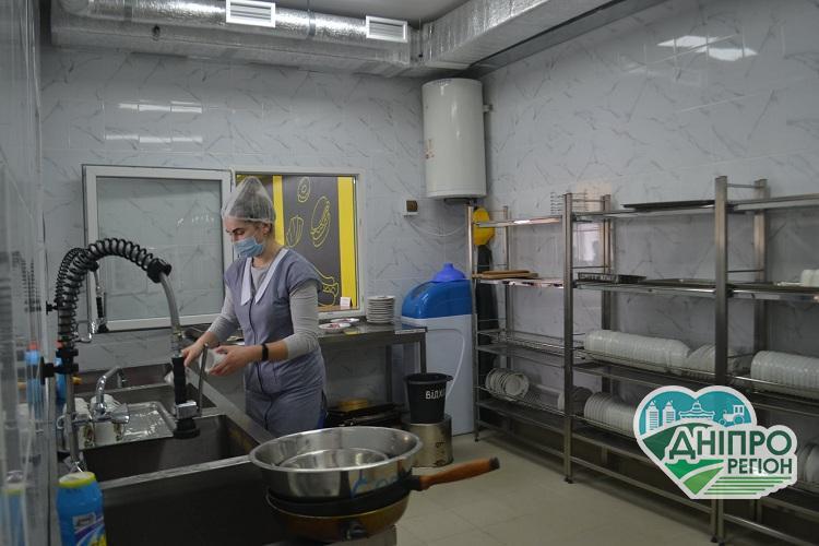 На Дніпропетровщині у Новолатівській СЗШ завершено капітальний ремонт їдальні