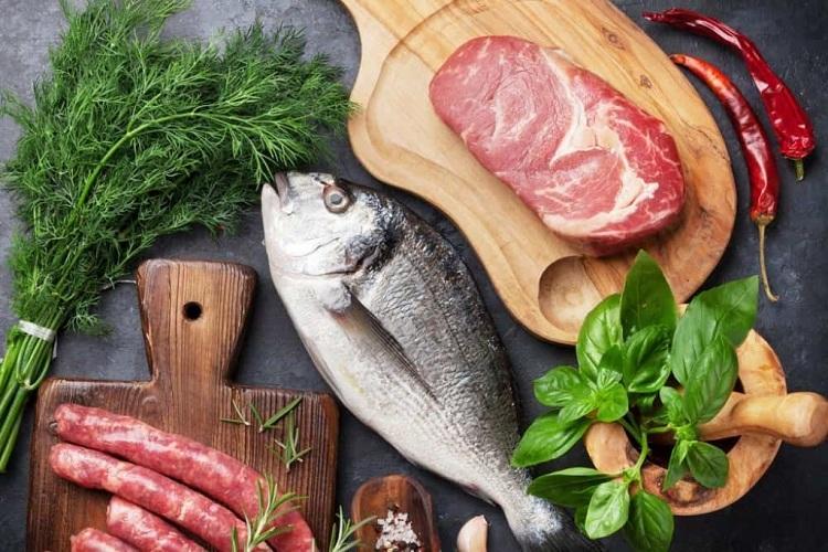 Дев'ять небезпечних для здоров'я продуктів