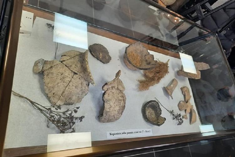 Доторкнись до історії: у Дніпрі відкривається виставка «Археологія великого будівництва — дорога між минулим і майбутнім»