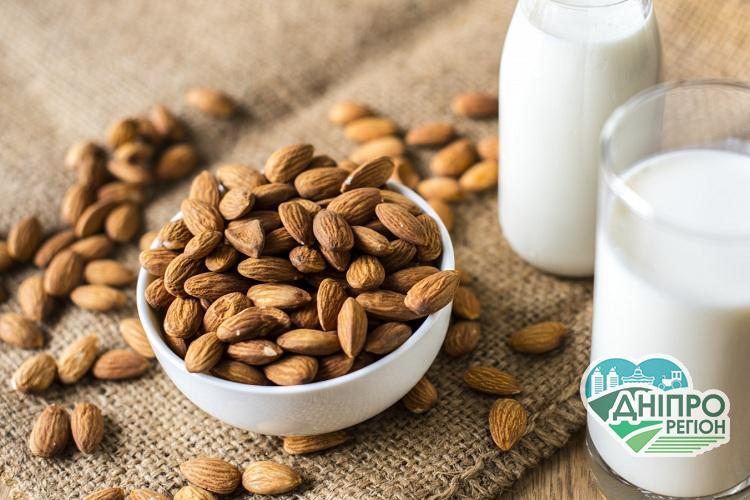 Рослинне молоко: користь та переваги