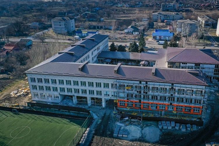 На Дніпропетровщині школу перетворюють на більш енергоефективну та затишну