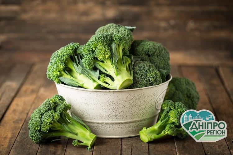 Неймовірне джерело вітамінів: корисні властивості броколі