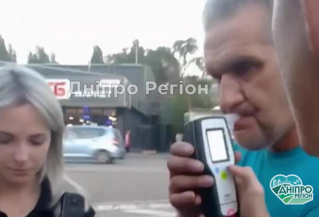 У Дніпрі впіймали п'яного водія маршрутки: йому загрожує реальний строк (Відео)