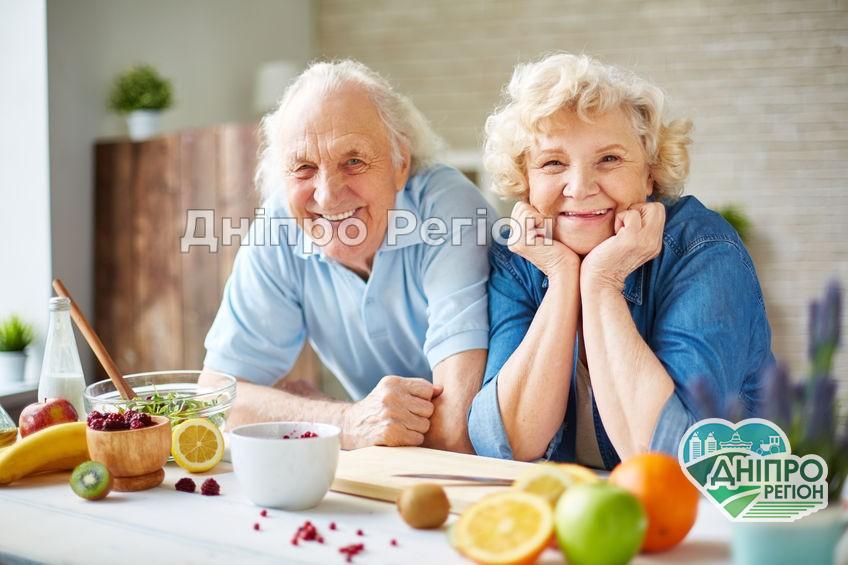 У Дніпрі пенсіонери можуть отримати свою пенсію достроково і за один раз