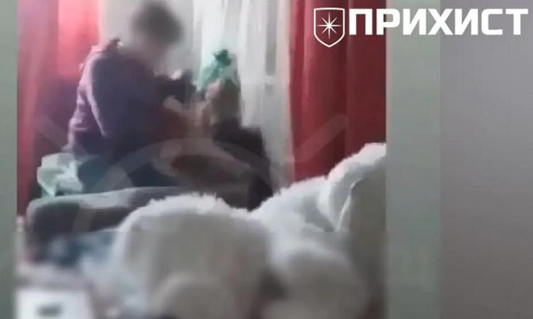 У Марганці малолітки знущалися над дівчинкою і знімали все на телефон (Відео)